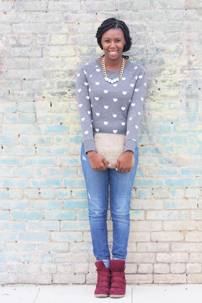 Tasha in Target Crewneck Sweatshirt, Zara Jeans, Kahsha Sneaker Wedges, Murval Clutch. #boxbraids #bizblogger #smallbiz #killeen